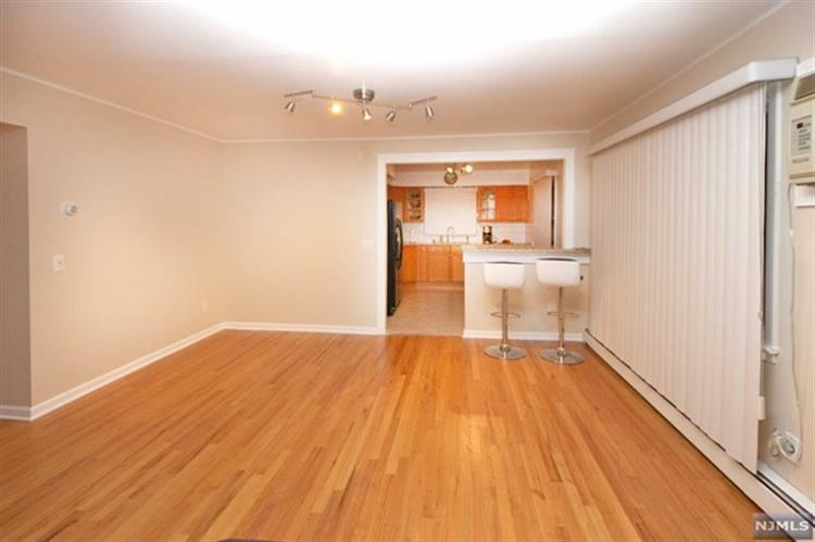 69 Morrell Place, Unit #2 2, Garfield, NJ - USA (photo 5)