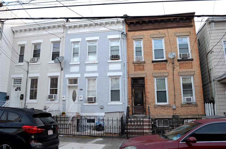316 A 70th St, Guttenberg, NJ - USA (photo 1)