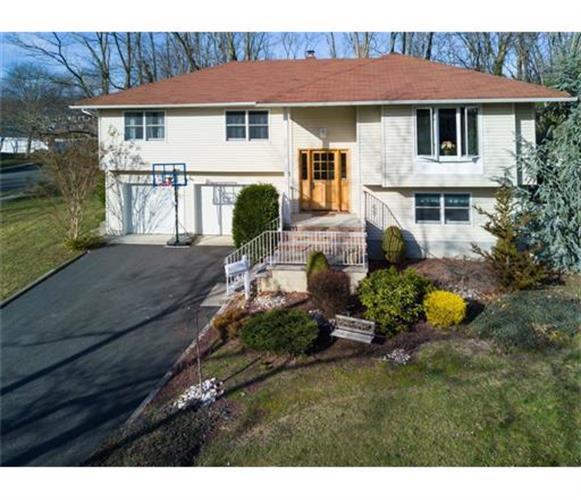 51 Sylvia Terrace, Middletown, NJ - USA (photo 1)