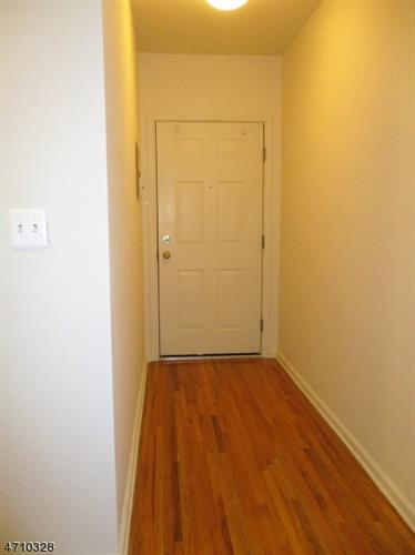 400 North Avenue Unit 3 3, Dunellen, NJ - USA (photo 2)