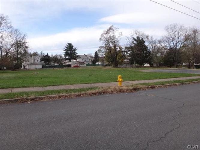 640 Tacoma Street, Allentown, PA - USA (photo 1)