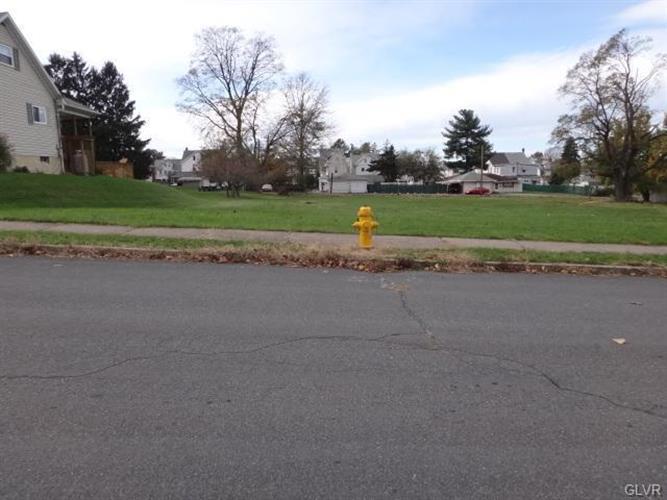 640 Tacoma Street, Allentown, PA - USA (photo 2)
