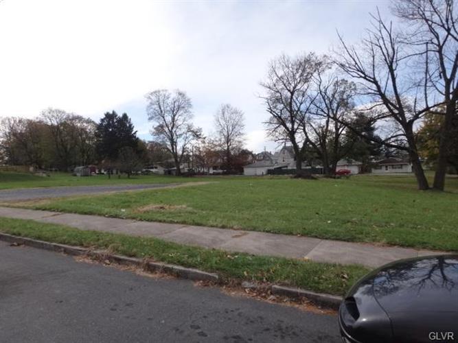 640 Tacoma Street, Allentown, PA - USA (photo 3)