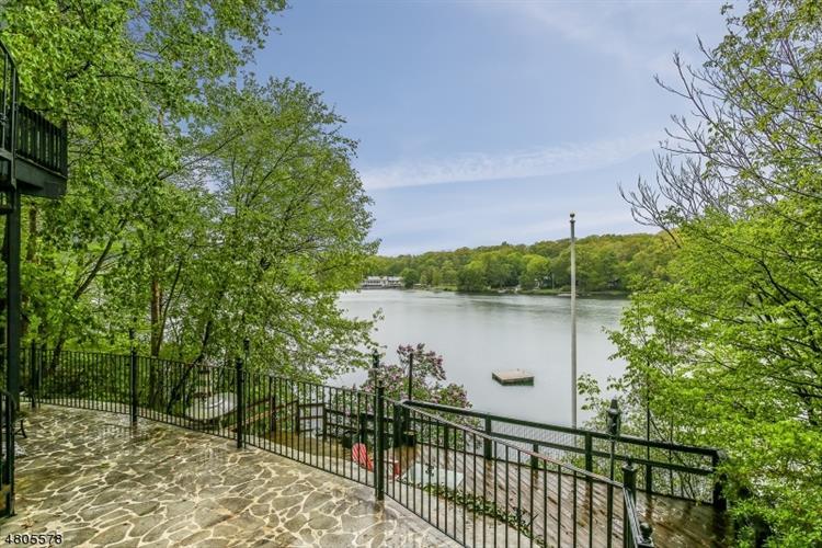 1217 Lakeside Dr E, Vernon, NJ - USA (photo 1)