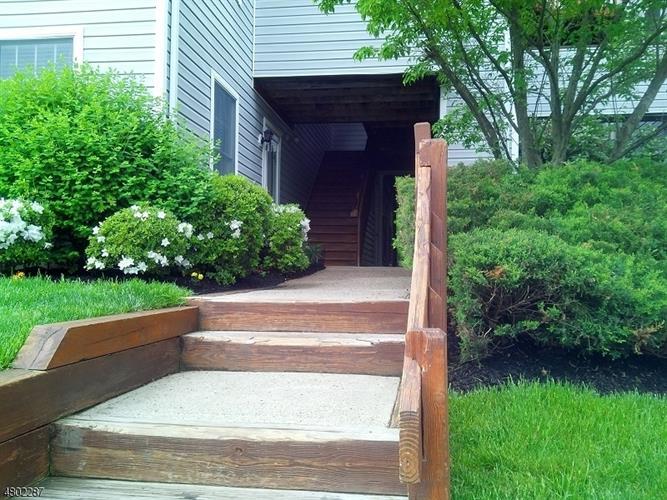 46 Stonyridge Dr, Lincoln Park, NJ - USA (photo 2)