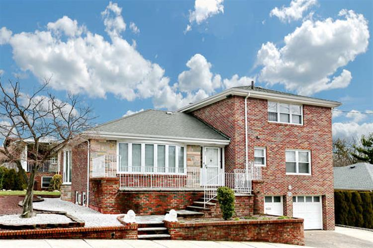 275 Forest Rd, Fort Lee, NJ - USA (photo 1)