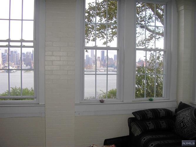 19 Hamilton Avenue, Unit #3 3, Weehawken, NJ - USA (photo 4)