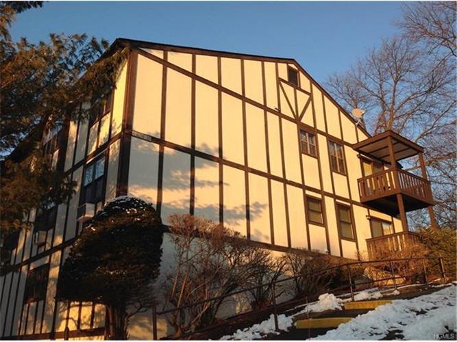 712 Sierra Vista Lane, Valley Cottage, NY - USA (photo 2)