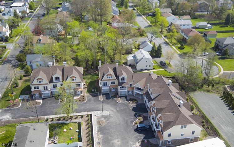 Riverbend Court, New Providence, NJ - USA (photo 1)