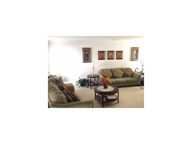 506 Great Beds Court 506, Perth Amboy, NJ - USA (photo 2)
