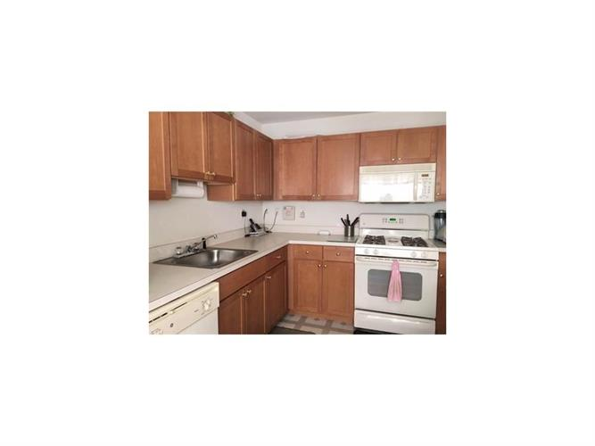 506 Great Beds Court 506, Perth Amboy, NJ - USA (photo 4)