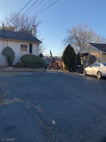 28 Cadmus Ave, Elmwood Park, NJ - USA (photo 2)