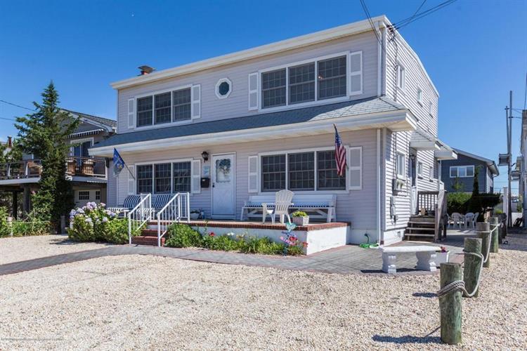 319 Fifth Street, Beach Haven, NJ - USA (photo 4)