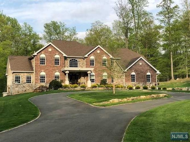 12 Lourdes Court, Andover, NJ - USA (photo 2)