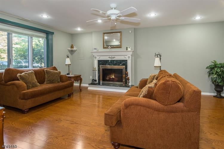 167 Forest Lake Dr N, Andover, NJ - USA (photo 3)