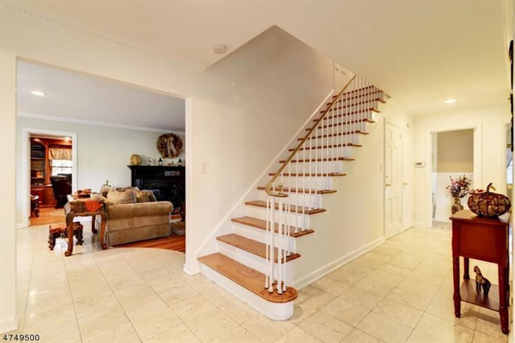 179 Great Hills Dr, South Orange, NJ - USA (photo 2)
