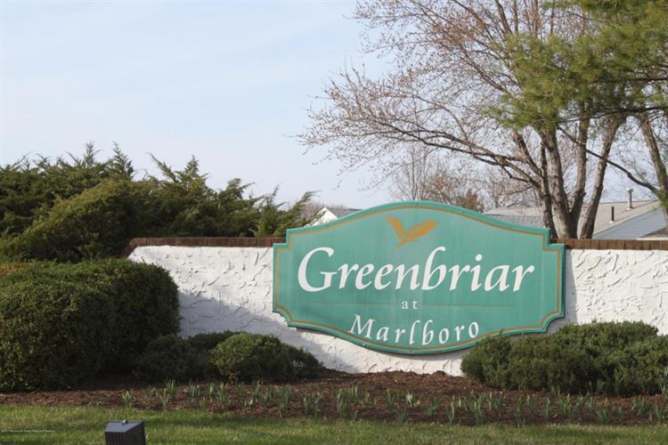 51 Lakeview Drive, Marlboro, NJ - USA (photo 1)