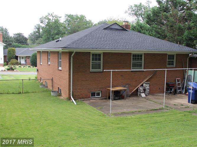 3031 Crane Dr, Falls Church, VA - USA (photo 2)