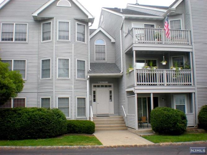 104 Quartz Ln, Paterson, NJ - USA (photo 1)