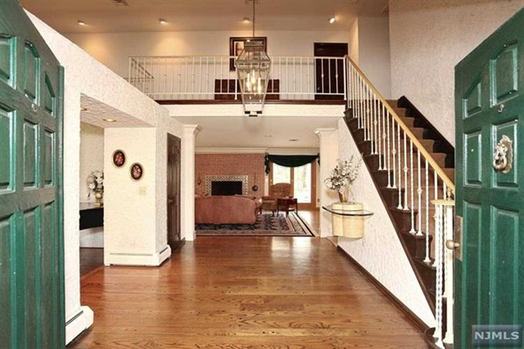 23 Pine Hill Road, Old Tappan, NJ - USA (photo 3)