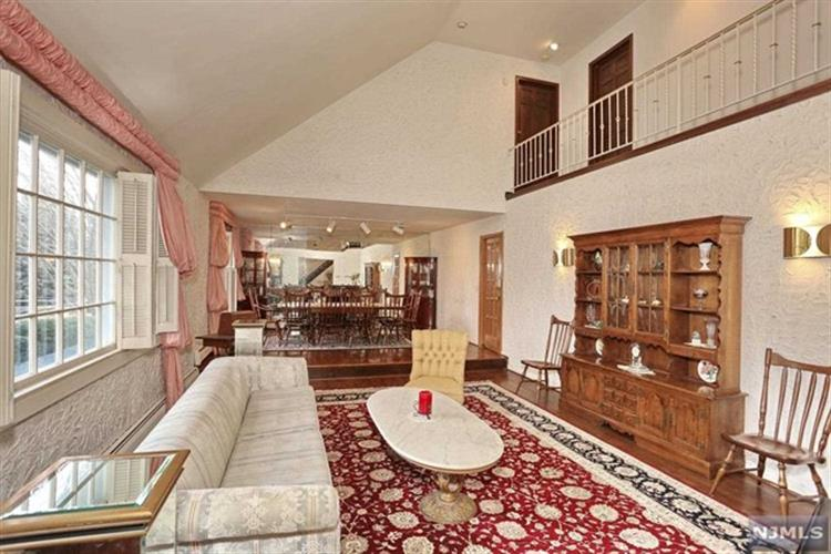 23 Pine Hill Road, Old Tappan, NJ - USA (photo 4)