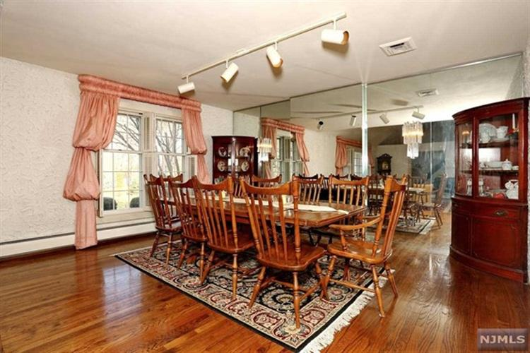 23 Pine Hill Road, Old Tappan, NJ - USA (photo 5)