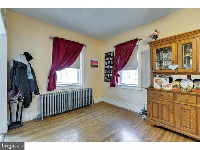 4456 Burwood Avenue, Pennsauken, NJ - USA (photo 5)
