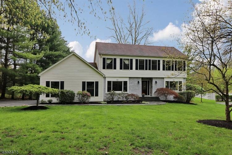 5 Gregory Dr, Montville Township, NJ - USA (photo 2)
