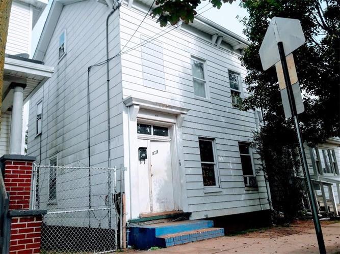 137 Throop Avenue, New Brunswick, NJ - USA (photo 1)