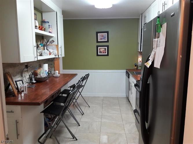 132 Tunison Rd, New Brunswick, NJ - USA (photo 5)