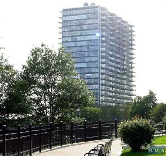 6050 Boulevard East 22d, West New York, NJ - USA (photo 1)