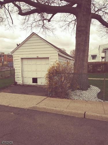 487 Greylock Pkwy, Belleville, NJ - USA (photo 4)