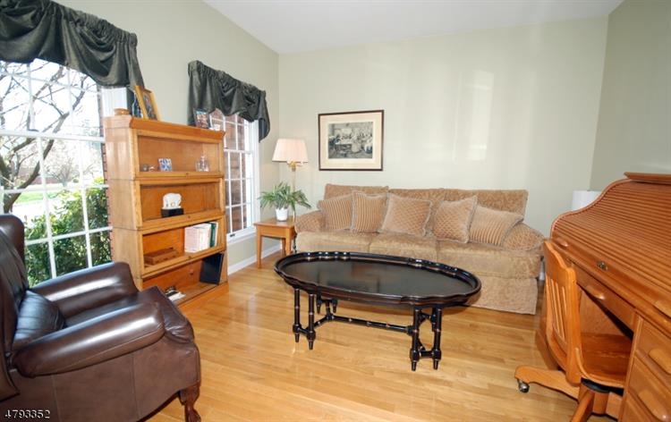 43 Totten Dr, Bridgewater, NJ - USA (photo 5)