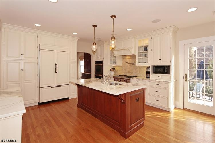 703 Forest Ave, Westfield, NJ - USA (photo 2)