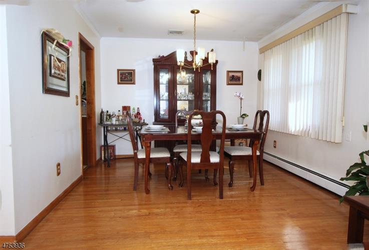240 Farragut Rd, North Plainfield, NJ - USA (photo 4)