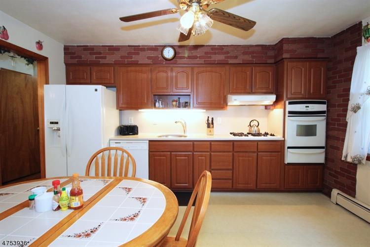 240 Farragut Rd, North Plainfield, NJ - USA (photo 5)