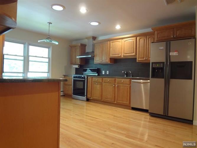 148 Scharer Avenue, Northvale, NJ - USA (photo 5)