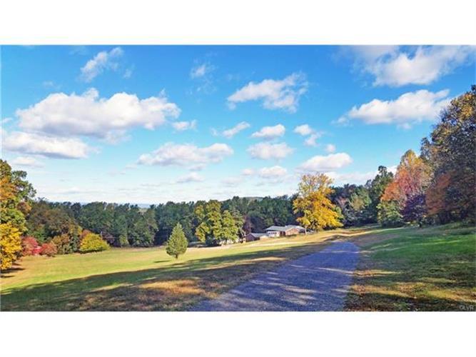 Private Lane, Hellertown, PA - USA (photo 2)