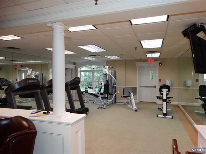 175 Rochelle Avenue, Unit 322 322, Rochelle Park, NJ - USA (photo 5)