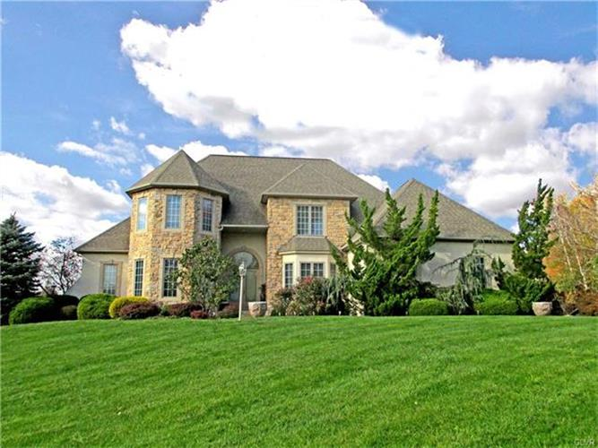 5204 Elmhurst Drive, Schnecksville, PA - USA (photo 1)