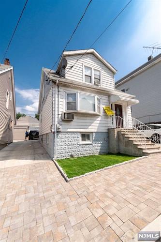 7306 Cottage Avenue, North Bergen, NJ - USA (photo 3)