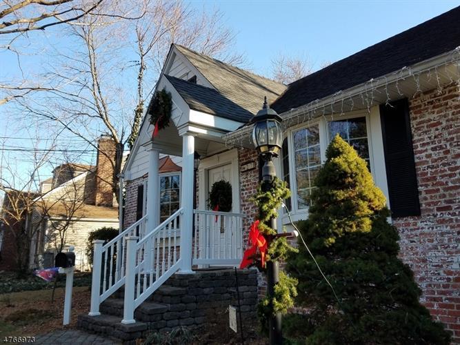 27 North Dr, East Brunswick, NJ - USA (photo 1)