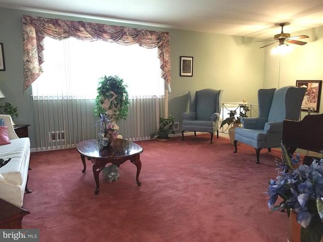 4105 Rocky Mount Drive, Temple Hills, MD - USA (photo 3)