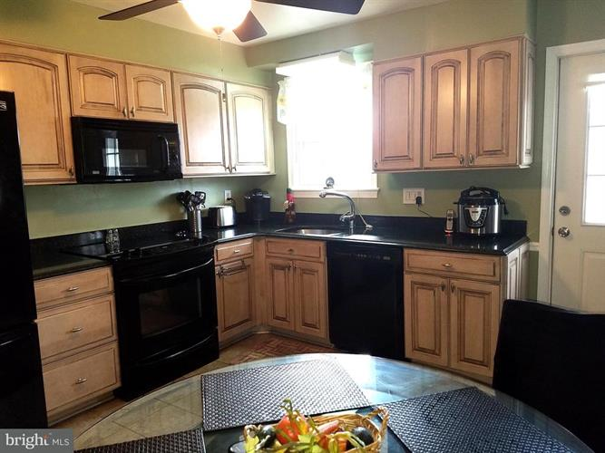 4105 Rocky Mount Drive, Temple Hills, MD - USA (photo 4)