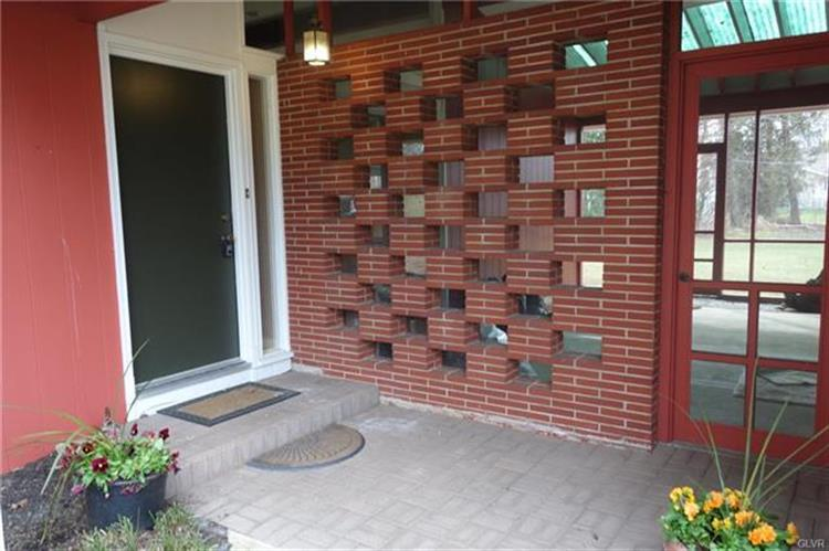 3639 Emerson Circle, Hanover Twp, PA - USA (photo 3)