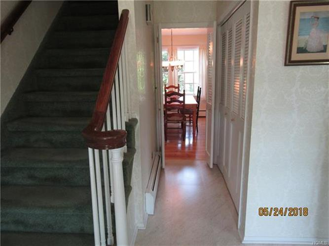 15 Behrendt Drive, Pearl River, NY - USA (photo 4)