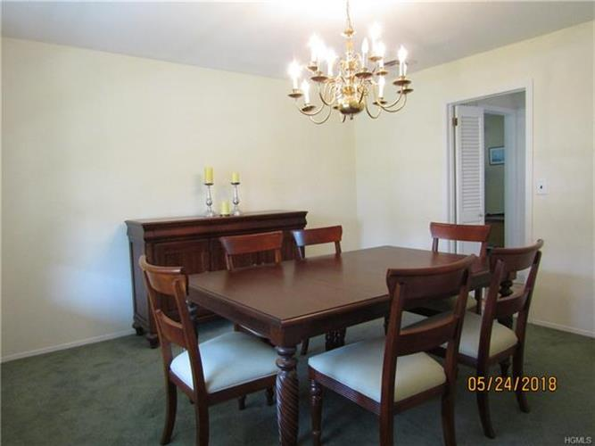 15 Behrendt Drive, Pearl River, NY - USA (photo 5)