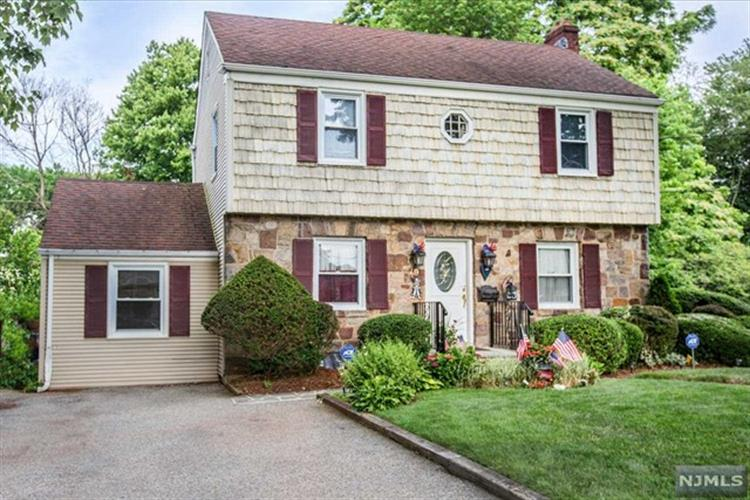 79 Lincoln Ave, Bergenfield, NJ - USA (photo 1)