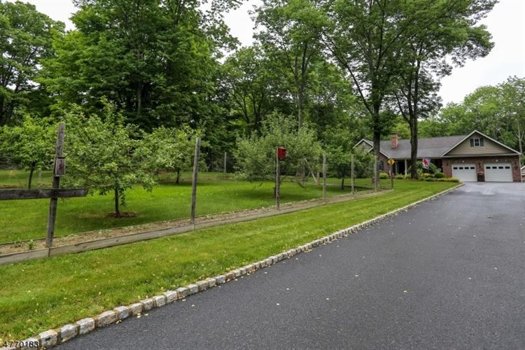 864 Greenville Rd, Wantage Twp, NJ - USA (photo 2)