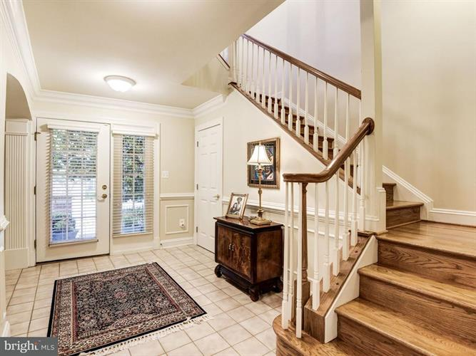 12192 Chancery Station Circle, Reston, VA - USA (photo 3)